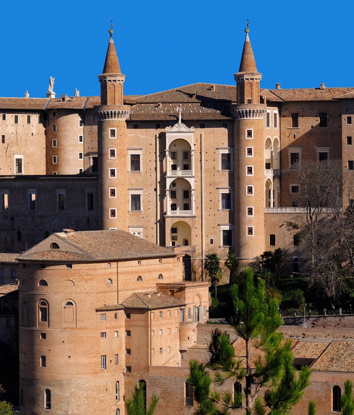 urbino_ducale_facciata_palazzo_ducale
